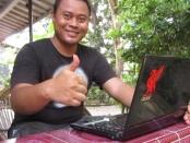 Eko Nurhuda with Acer Aspire E1-442
