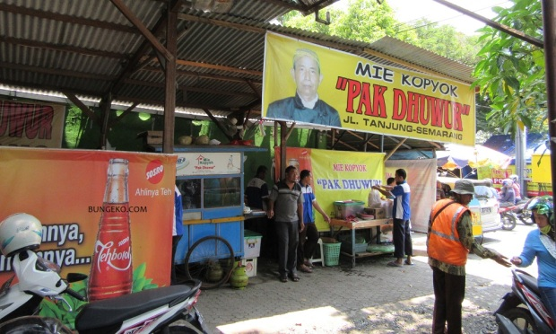 warung Mie Kopyok Pak Dhuwur Semarang