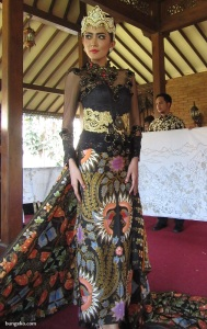 model batik pesisir Haji Failasuf