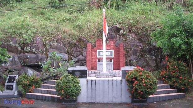 Monumen pengibaran bendera Tanjung Mafutabe, Mareku