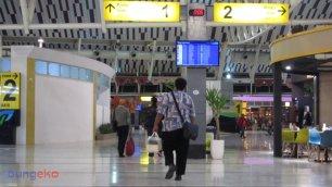 Ruang tunggu Bandara Sultan Hasanuddin