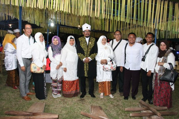 foto bareng Sultan Tidore