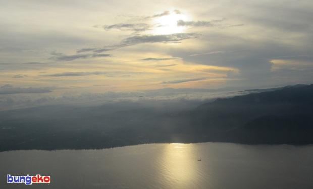 Pulau Halmahera dari atas pesawat