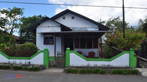 Rumah Nenek Bujuna Samdi, tempat menginap Panglima Komando Mandala