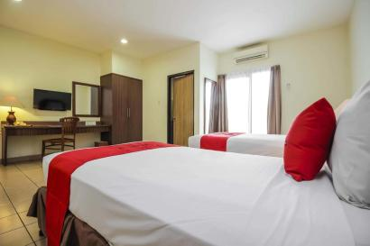 Hotel Pitagiri twin bed room