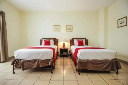 Hotel Pitagiri twin bed room